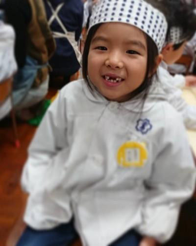幼稚園で初めてのお餅つき!