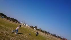 公園でサッカー!