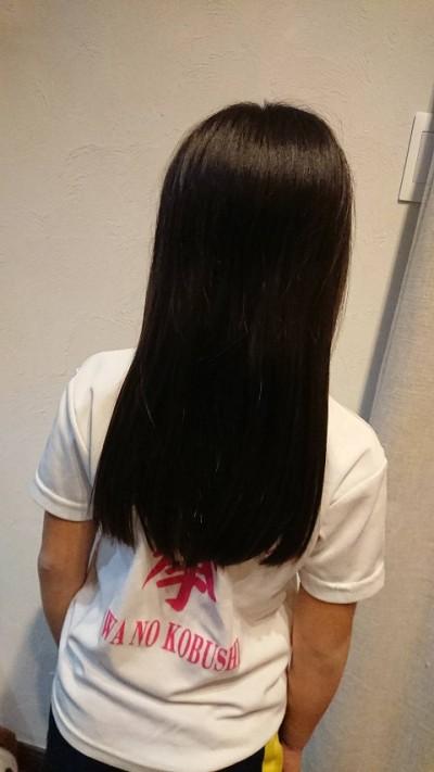 娘髪を切る!