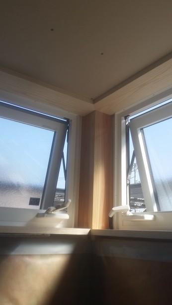 窓枠の施工