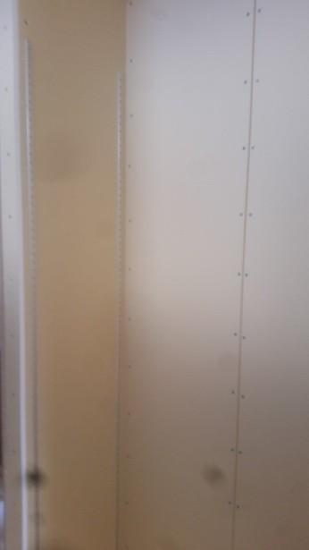プラスターボード、可動棚の施工