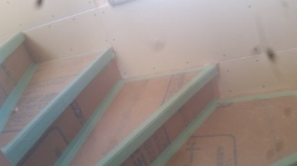階段周りのPB貼り