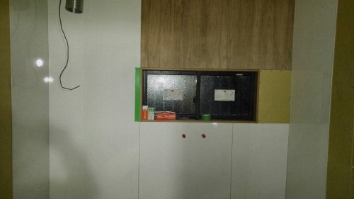 キッチン周りのパネル貼り