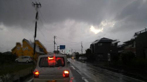 仕事帰りにまた雨~