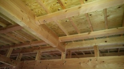 天井断熱の下地施工