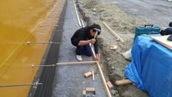 捨てコンクリートを打つための型つくり