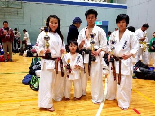 空手の試合で社長の子供達は三人共入賞!