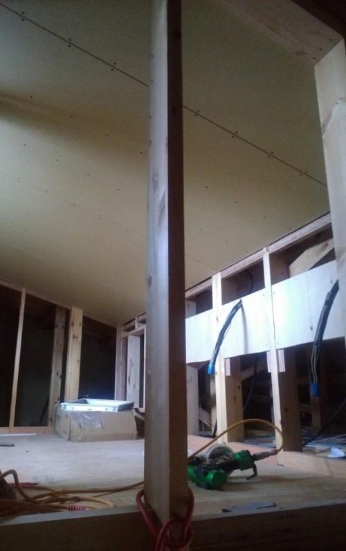 小屋裏部屋施工