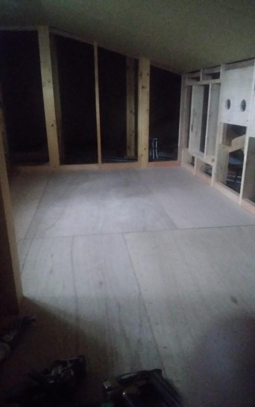 床材貼り施工