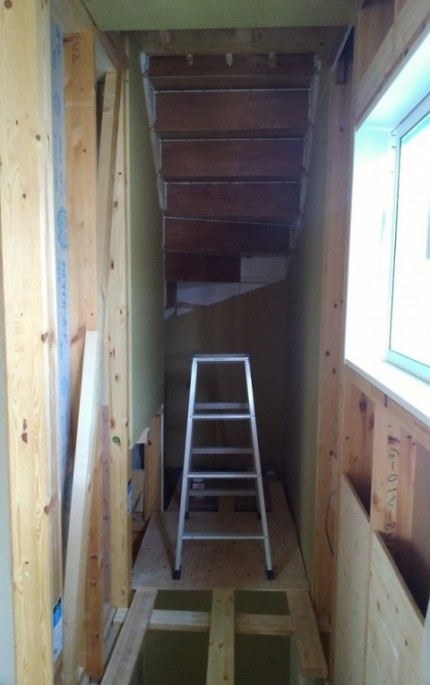 階段周りの下地施工