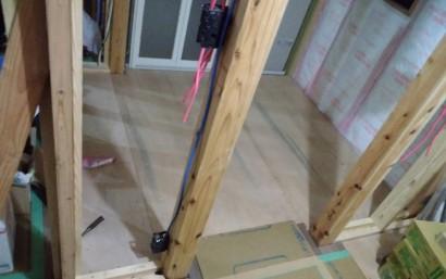 脱衣所の床下地貼り