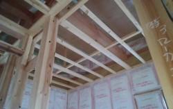2階天井下地施工
