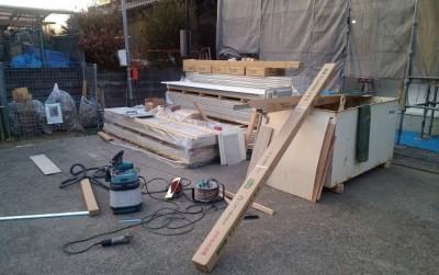 外壁の廃材専用コンテナが現場に届きました!