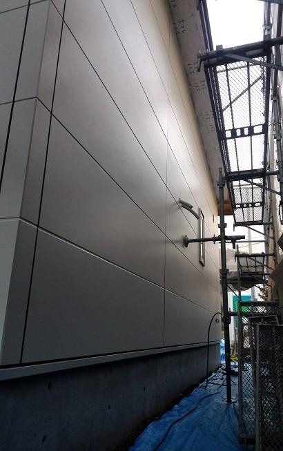 外壁工事も順調に進んでいます
