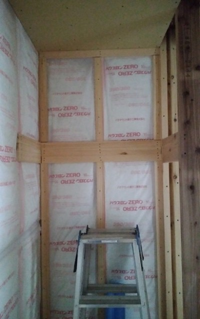 クローゼット内の枕棚下地施工