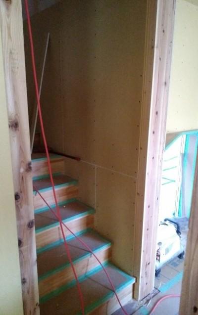 階段周りの手すり下地