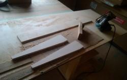 腕木を同じ材料で造作