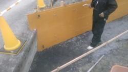 きのう作った枠内にコンクリート打設