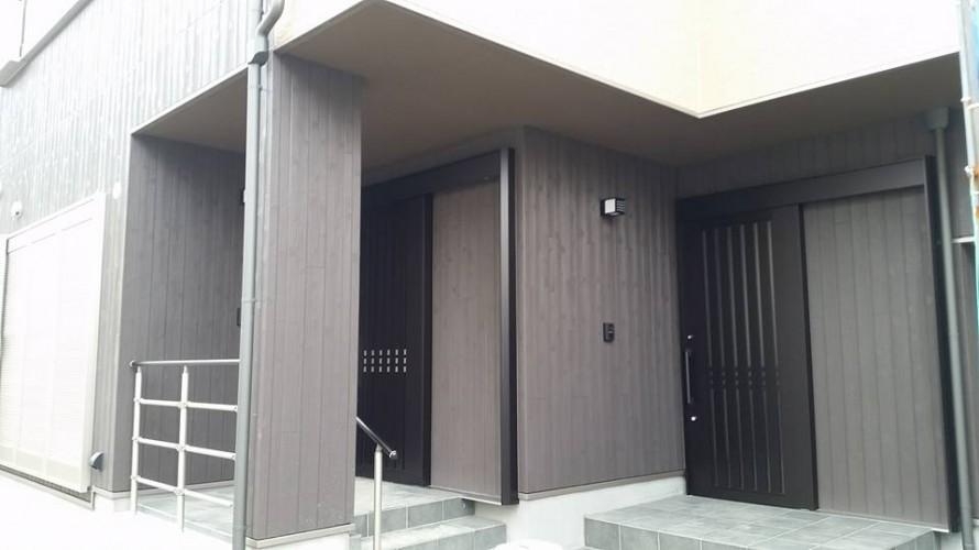 K様邸二世帯玄関
