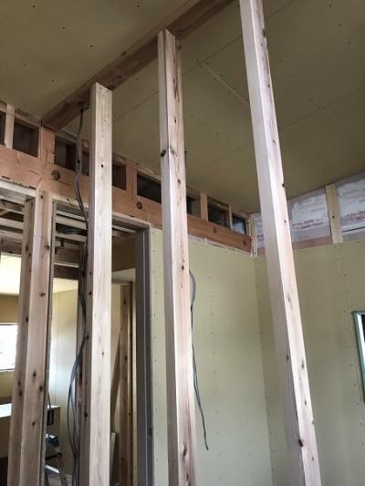 部屋の間仕切壁施工
