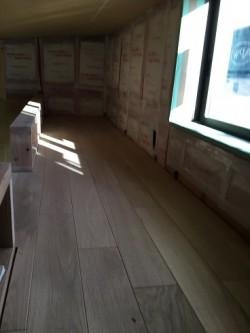 鳴門市M様邸新築工事ロフトフローリング貼り