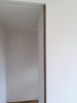 中吉野町O様邸新築工事 最後の建具吊り込み