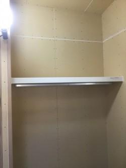 納戸の棚施工