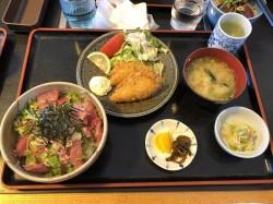 昼ご飯に『海鮮丼』