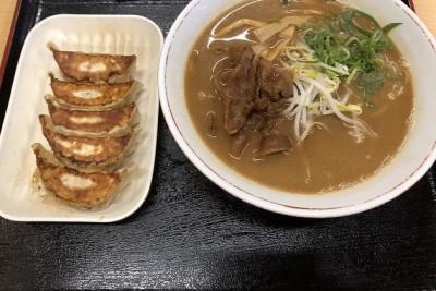 昼ご飯に温かいラーメンを食べました